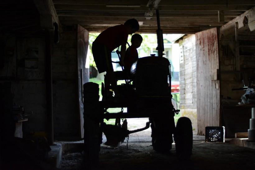 boys tractor